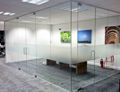 5 Features of Frameless Glass Office Partitions