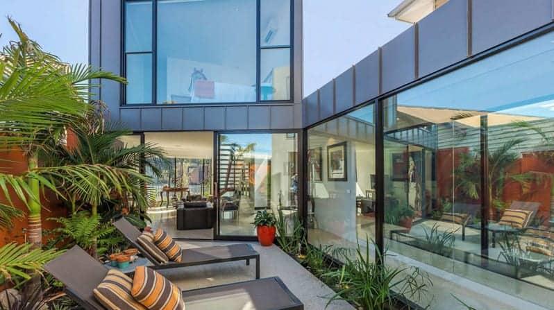 commercial grade aluminium & glass installation