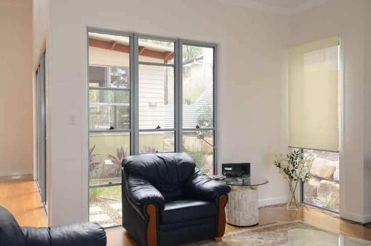 modern aluminium framed double hung windows